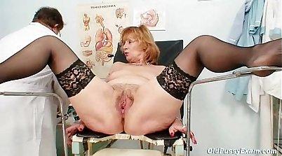 Redhead granny Jaina first pussy penetration