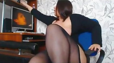 Chubby Russian Diva Performs In The Cam