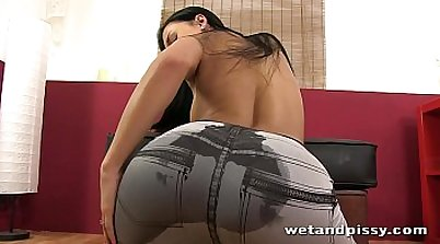 Karla Lynn drills herself in her moving watersports
