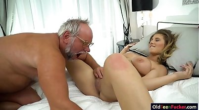 Brunee with her pussy and ass is delighting a grandpa