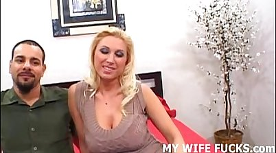Gorgeous Pornstar from the Country Wife Leaks A Huge Cock