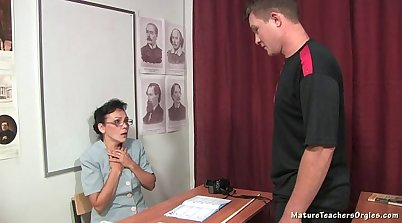 Russian mature lesson gets her pussy banged and pummeled