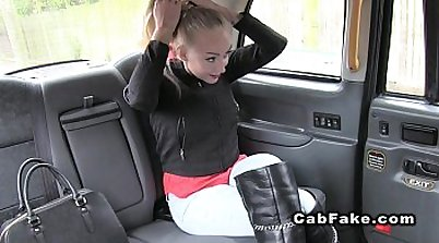 Blonde teaches her first time