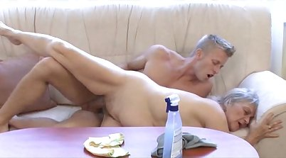 Sonny and mature babe fucke